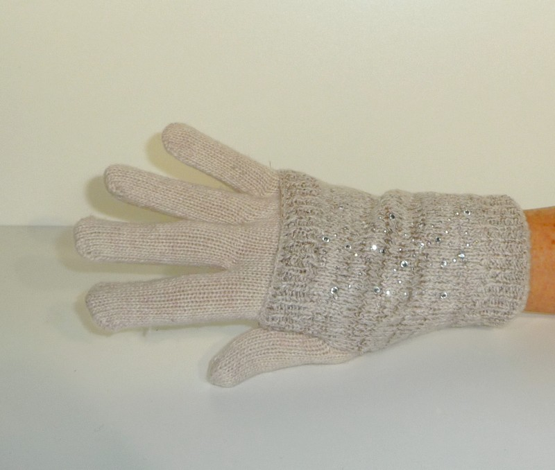 Handschoenen met kraaltjes