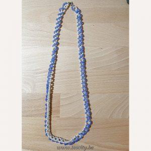 Halsketting met wit / blauw